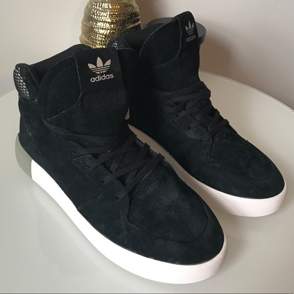 timeless design c6a57 8c43b NEW Adidas   Men s Black Suede Tubular Sneakers